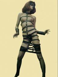 BDSM Γυναικείο φόρεμα από δέρμα και με χαλκάδες