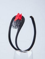 Γυναικείο μαύρο c-string με δαντέλα και φιογκάκι